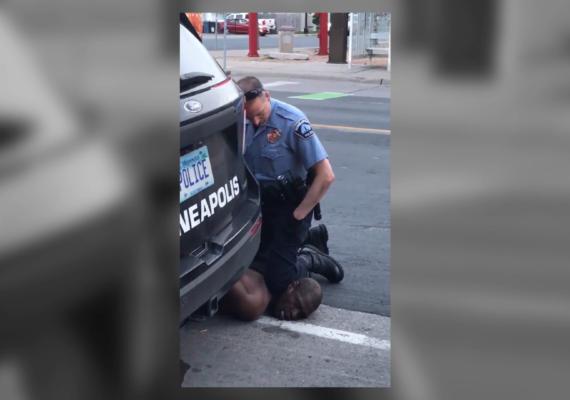 Despiden a cuatro policías tras la muerte de un afroamericano desarmado durante su arresto