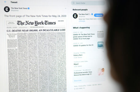 «Una pérdida incalculable»: The New York Times llena su portada con los nombres de los fallecidos por covid-19