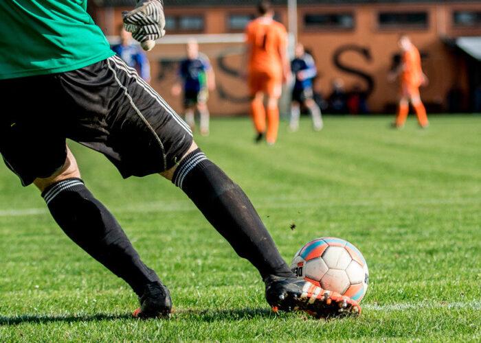 Un partido de fútbol 'ilegal' reúne en Francia unas 400 personas a pesar del confinamiento