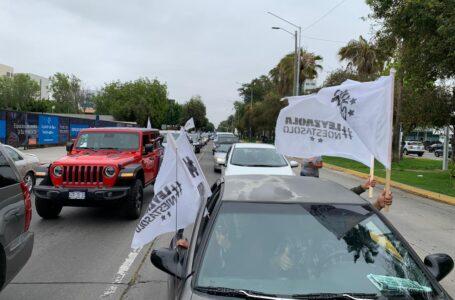 Videos: Caravana de vehículos en favor de Leyzaola