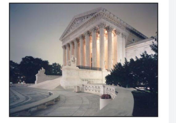 DACA se queda en EU, resuelve la Corte