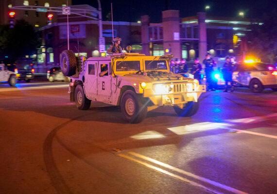 La Policía de EE.UU. mata a tiros a un hombre en medio de las protestas en Louisville