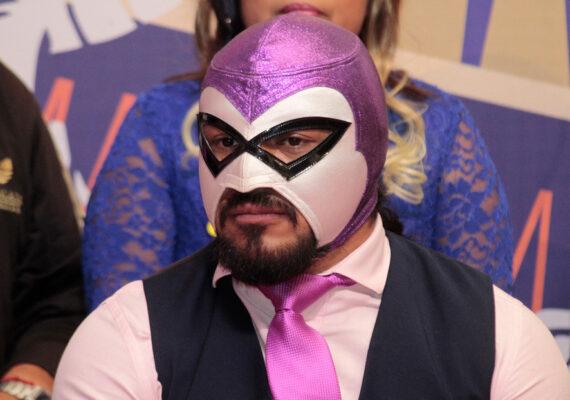 """""""Sí se pudo"""": 'El Hijo del Fantasma' gana su primer campeonato en la WWE en menos de dos meses de su debut"""