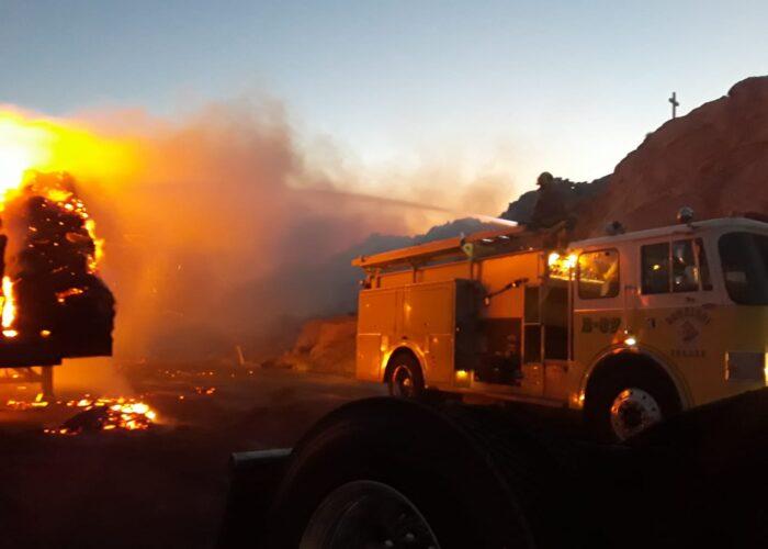 Se incendia camión en La Rumorosa