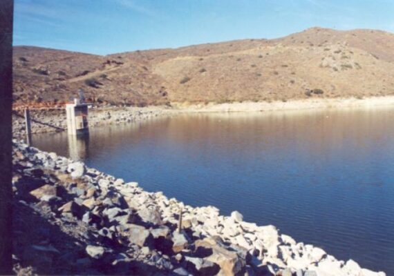 Cespt llama a cuidar del agua para detener la disminución en el nivel de la Presa el Carrizo