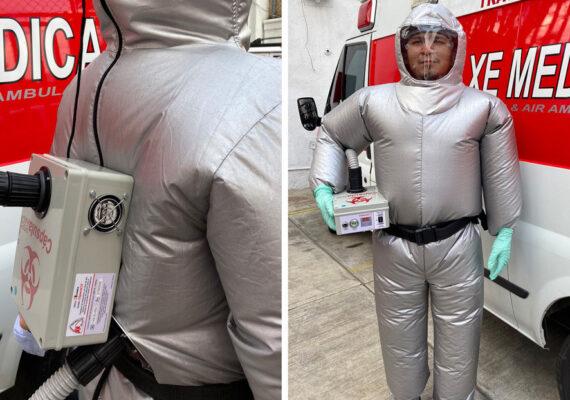 Crean un traje inflable que protege del covid-19 y mantiene frescos a los paramédicos en México