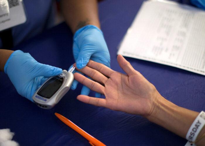 Médicos explican cómo reducir el peligro del coronavirus para los diabéticos