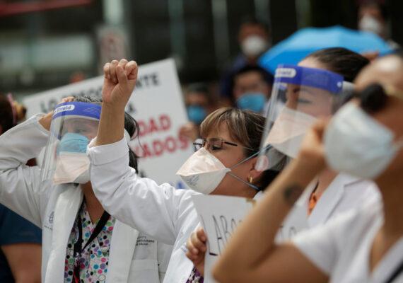 México busca castigar hasta con 10 años de cárcel las agresiones en contra los médicos