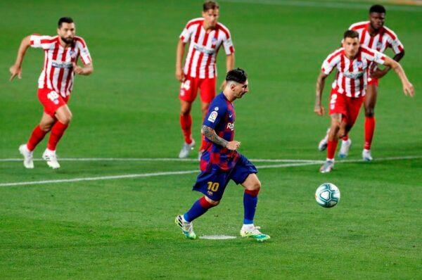 Messi se une a las máximas leyendas del fútbol; consigue su gol 700