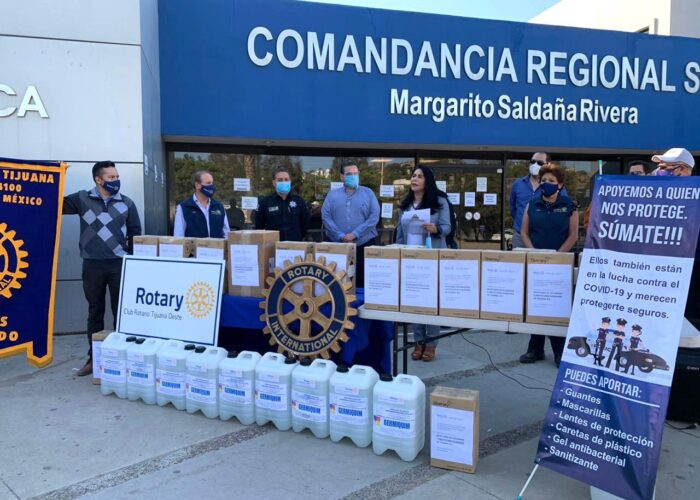 Donan desinfectante a la Policía de Tijuana