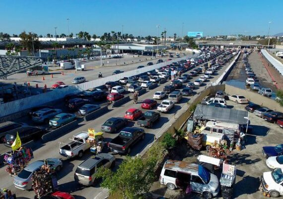 Restricciones en la frontera continuarán hasta el 21 de agosto