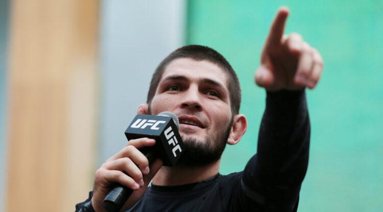 """El luchador ruso Khabib Nurmagomedov promete a su próximo contrincante, llevarlo al """"océano más profundo y ahogarlo"""""""