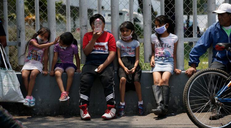México anuncia el regreso a clases por televisión debido a la epidemia de covid-19