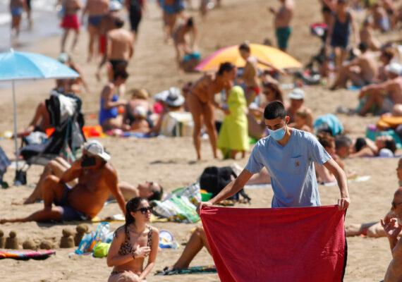 OMS: La proporción de jóvenes con covid-19 se triplicó en cinco meses