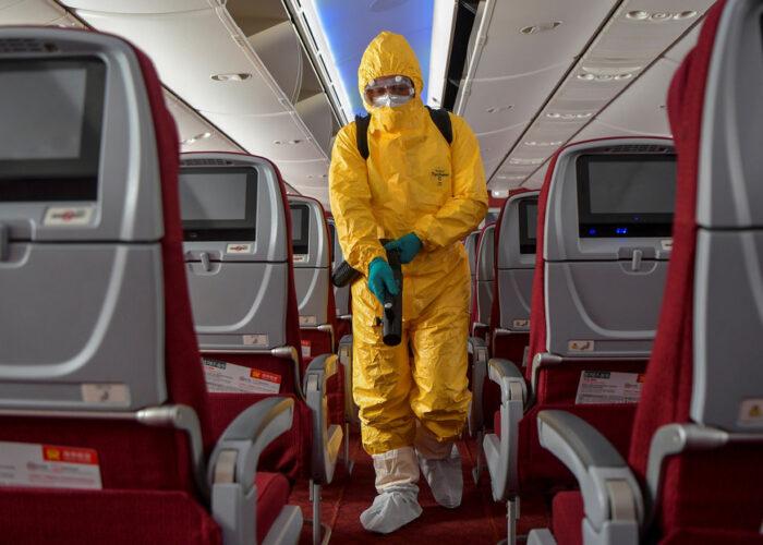 Un estudio sostiene que las probabilidades de contraer covid-19 en un avión son relativamente bajas