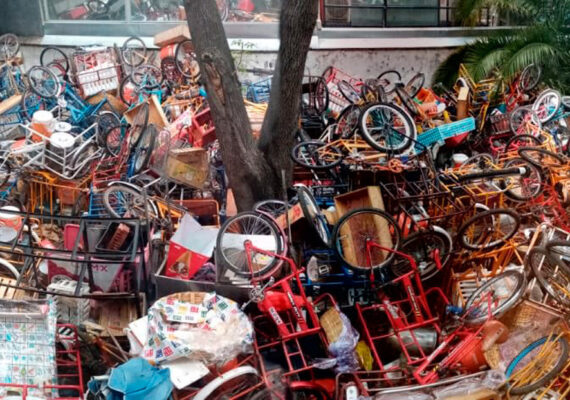 Un funcionario mexicano presume de la destrucción de 140 triciclos de vendedores ambulantes y la Red estalla