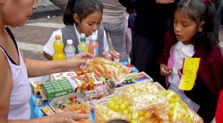 Oaxaca prohíbe venta de «comida chatarra» a niños