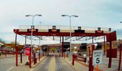 Restricciones fronterizas durarán un mes más, anuncia Ebrard