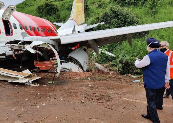 Suman 18 muertos por accidente de avión en India