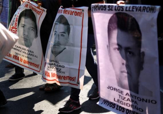 Buscan en México a uno de los 43 estudiantes de Ayotzinapa tras la aparición de una fotografía en redes sociales