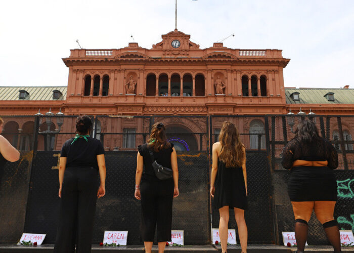 Conmoción en Argentina por el brutal feminicidio de una mujer con cinco meses de embarazo