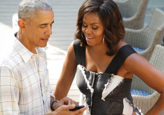 """""""Envíame un mensaje"""": Obama comparte su número de teléfono con sus más 122 millones de seguidores en Twitter"""