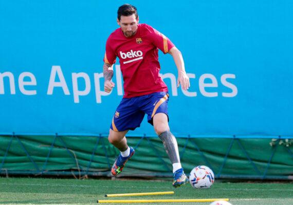 Lionel Messi regresa a los entrenamientos del F.C. Barcelona tras no concretar su salida del club