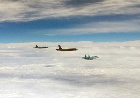 Ocho cazas rusos interceptan a tres bombarderos B-52H de EE.UU. sobre el mar Negro