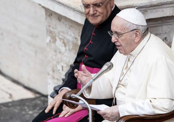 Papa Francisco reanuda las Audiencias Generales con público