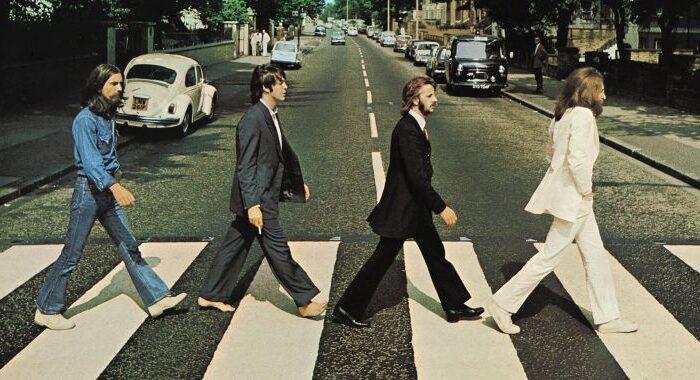 The Beatles anuncian el lanzamiento de su primer libro oficial en 20 años
