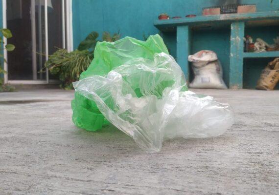 Multarán con 26 mil pesos por uso de bolsas de plástico