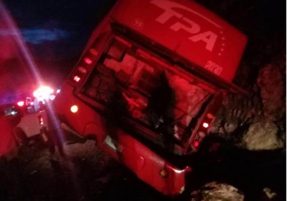 «Camionazo» en Chiapas deja 13 muertos