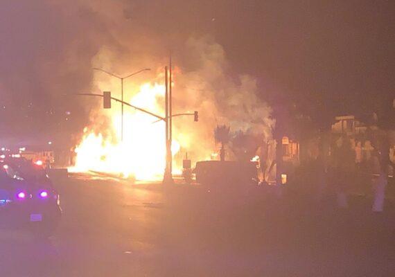Choque de pipa de gasolina en Rosarito dejó 16 lesionados