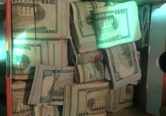 Decomisan 126 mil dólares en «El Chaparral»
