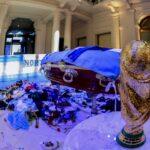Disturbios obligan a retirar el féretro de Maradona de Casa Rosada