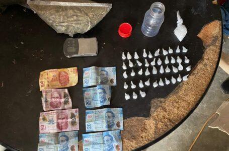 Aseguran droga y un varón es detenido durante cateo