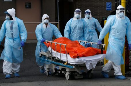 2020, el año con más muertes en la historia de EU