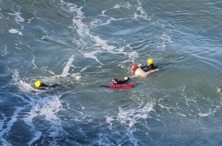 Rescatan cuerpo que flotaba al sur de Playas de Tijuana