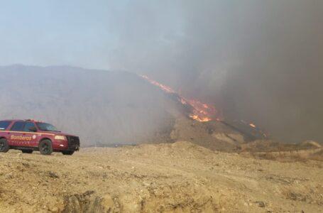 Fuerte incendio en Loma Bonita en relleno sanitario