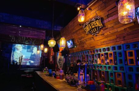No habrá restricción de horario en bares
