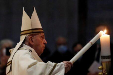 El Papa en Vigilia Pascual 2021: El Resucitado vive y gobierna la historia