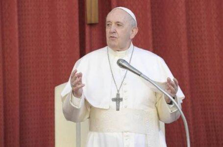 Papa Francisco: La oración no es una varita mágica, sino diálogo con el Señor