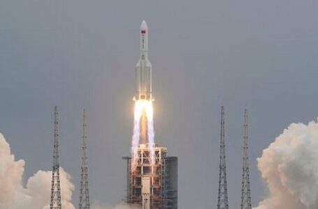 Rastrean en vivo por Youtube trayectoria de cohete chino fuera de control