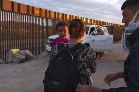 Aumentan los encuentros con migrantes en EEUU pese al calor