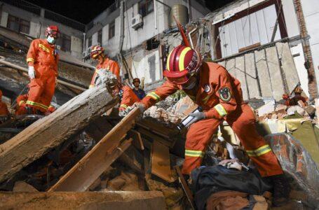 Al menos 8 muertos al desplomarse hotel en el este de China