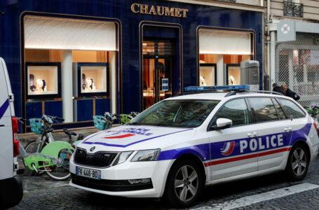 Van Damme 'ayuda' a un ladrón a cometer un robo de joyas «monumental» de más de 2 millones de dólares en una tienda en París