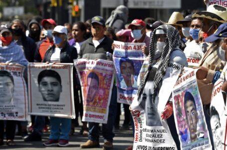 «Desviaron toda una investigación»: La Fiscalía mexicana investigará a los peritos que «manipularon evidencias» en el caso de Ayotzinapa